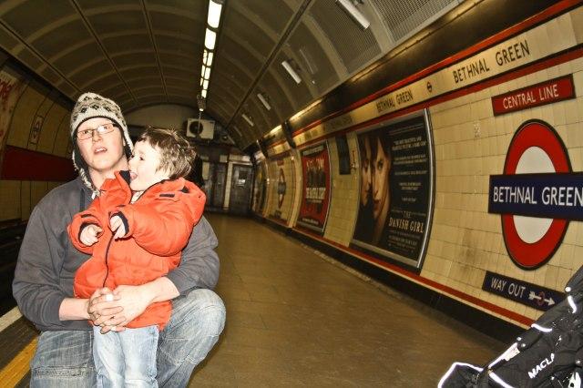#Londontubewithkids #Londontube #Londonunderground london tube | london tube map | london tube photography | london tube art | london tube stations | London tube | London Tube | London Tube & Train stations |