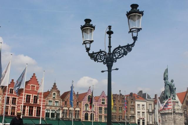 #BrugesCentralSquare '#Brugeswithkids #BreugesBelgium